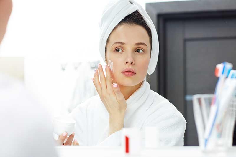 Cách chăm sóc da mặt sau khi đi spa